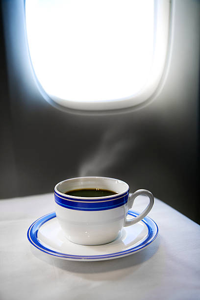 a cup of steaming coffee in first-class:スマホ壁紙(壁紙.com)