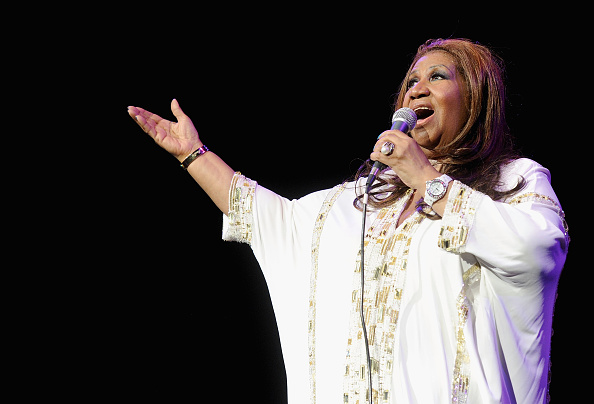Singing「Aretha Franklin In Concert」:写真・画像(4)[壁紙.com]