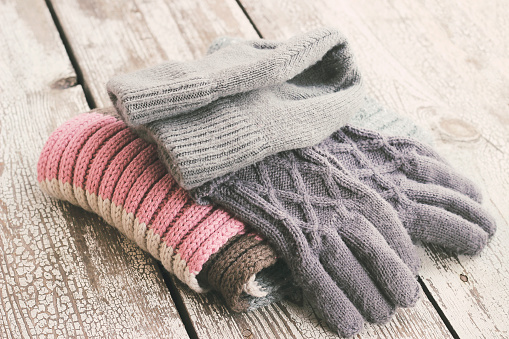 Warm Clothing「Warm winter knitted clothes - hat, scarf, gloves」:スマホ壁紙(18)