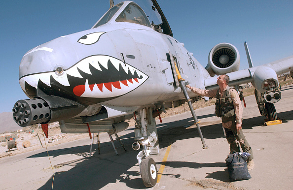 Bagram「A-10 Pilot At Bagram Air Base In Afghanistan」:写真・画像(15)[壁紙.com]