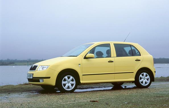 乗り物・交通「2001 Skoda Fabia 1.4 16v」:写真・画像(5)[壁紙.com]