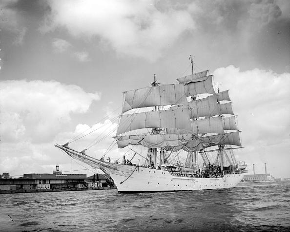 Stationary「Sailing Ship」:写真・画像(18)[壁紙.com]