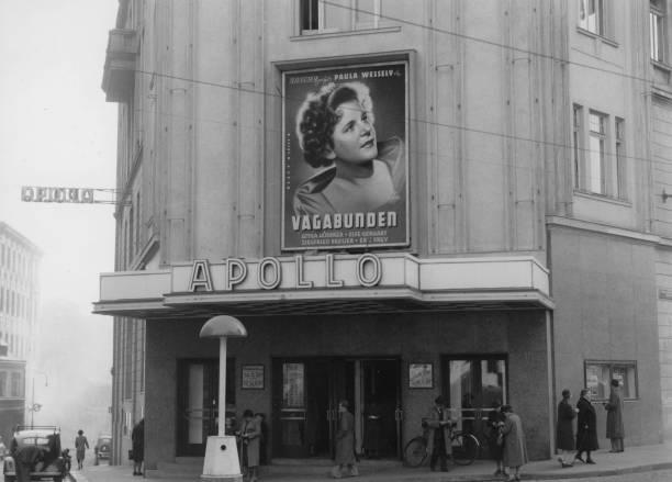 Apollo Cinema Vienna. Gumendorferstraße 63. Photograph. 1988.:ニュース(壁紙.com)