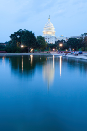 Legislation「U.S. Capitol with reflection」:スマホ壁紙(5)