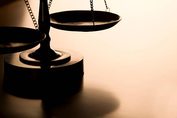Scales of Justice:スマホ壁紙(壁紙.com)