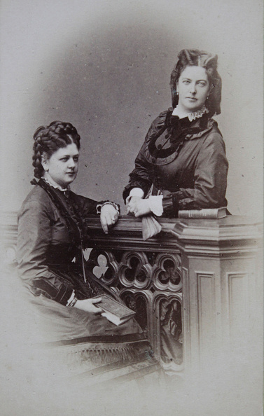 1870-1879「Two Ladies With Dark Clothes; The One Sitting With Book In Her Right Hand; The Other Standing And Leaning Against A Atelier Balustrade. About 1874. Photograph By August Red. Linz [Promenade].」:写真・画像(10)[壁紙.com]