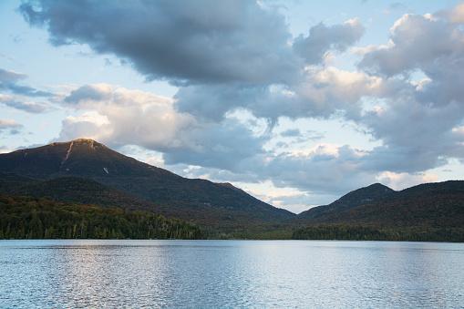 Adirondack Mountains「Early evening light on Whiteface Mounatin and Lake Placid」:スマホ壁紙(3)