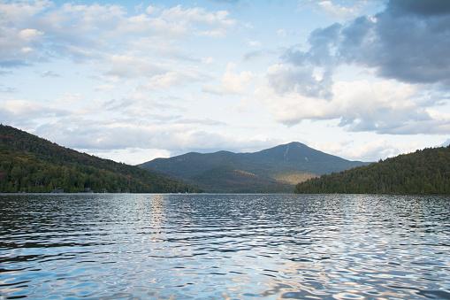 Adirondack Mountains「Early evening light on Whiteface Mounatin and Lake Placid」:スマホ壁紙(2)