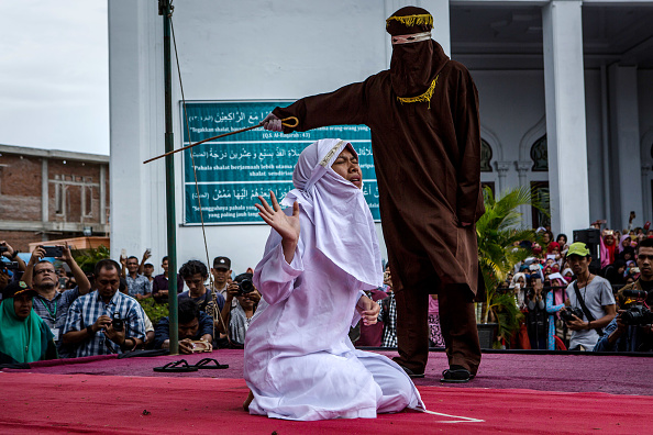 Photography「Indonesian Gay Couple Sentenced To Public Caning In Aceh」:写真・画像(8)[壁紙.com]