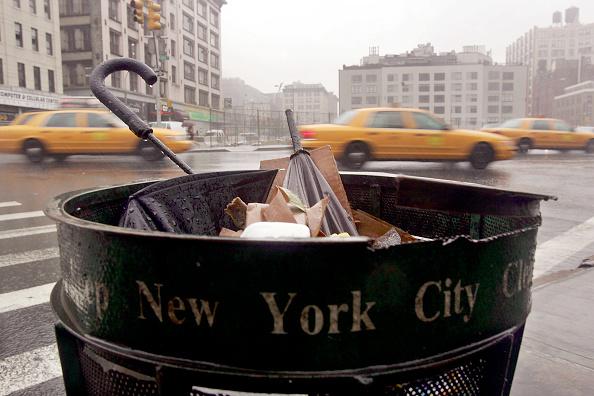 Obsolete「Heavy Rain Soaks New York City」:写真・画像(10)[壁紙.com]