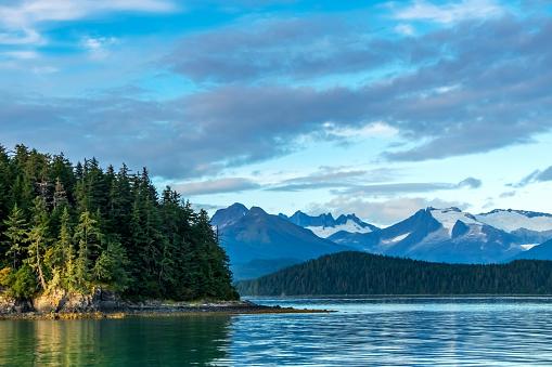 Wilderness Area「Alaskan Snowcapped Mountains」:スマホ壁紙(4)