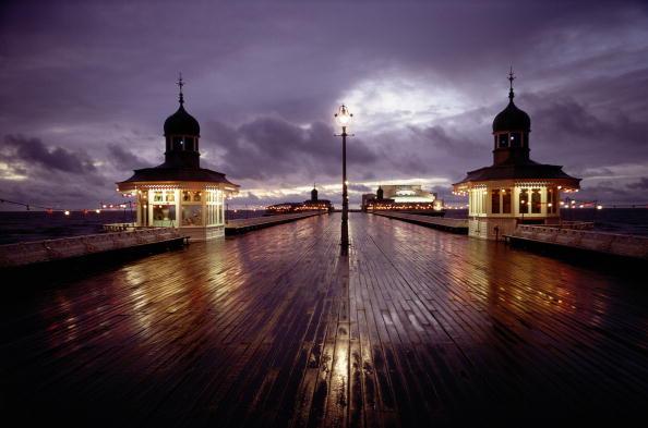 Blackpool「Rainy Pier」:写真・画像(6)[壁紙.com]