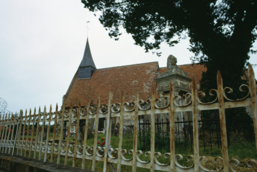 Surrounding「Iron fence surrounding church, Normandy, France」:スマホ壁紙(2)