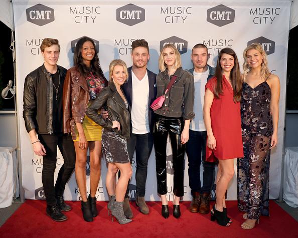 数人「CMT's 'Music City' Premiere Party - Arrivals」:写真・画像(13)[壁紙.com]