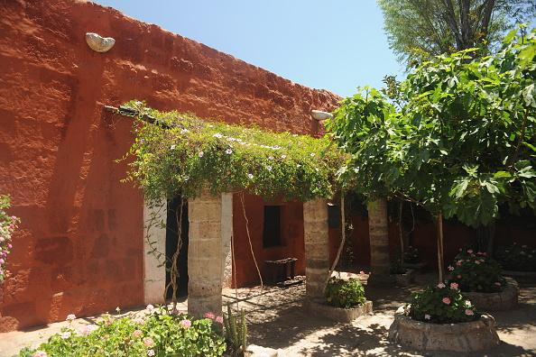 Monastery「Santa Catalina Monastery」:写真・画像(8)[壁紙.com]