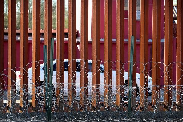 International Border Barrier「Border Wall Funding The Focus Of Partial Government Shutdown」:写真・画像(19)[壁紙.com]