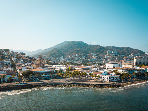 Coastal Feature「Mexico, Jalisco, Puerto Vallarta, Old town, Church of Our Lady of Guadalupe and El Malecon boardwalk」:スマホ壁紙(8)