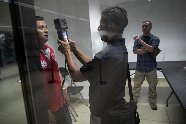 Advice「U.S. Immigration Agents Train Guatemalan Border Police In First Class Of New Program」:写真・画像(2)[壁紙.com]