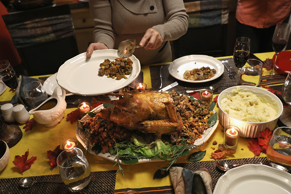 Turkey Meat「Immigrant Families Celebrate Thanksgiving In Connecticut」:写真・画像(11)[壁紙.com]