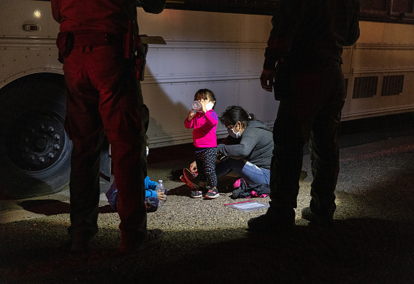 Human Role「Migrants Cross Into Texas From Mexico」:写真・画像(19)[壁紙.com]