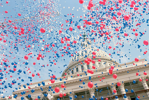 Red, White, and Blue Balloons Over the U.S. Capitol Building:スマホ壁紙(壁紙.com)