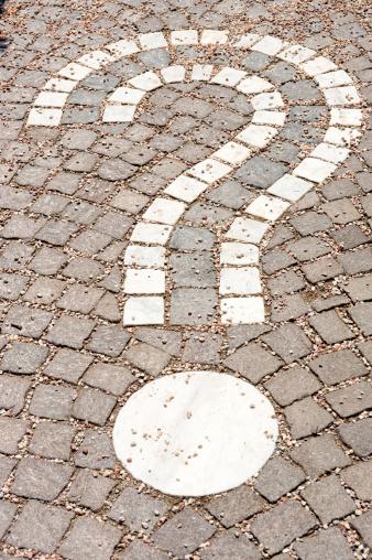19th Century「Question mark in cobblestone」:スマホ壁紙(12)