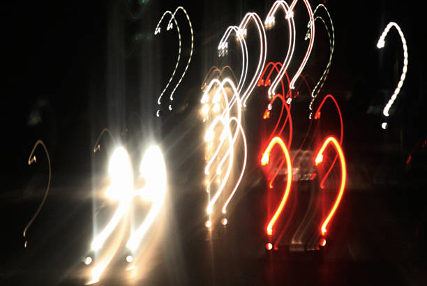 Question mark shape patterns lit up at night, Svalyava, Ukraine:スマホ壁紙(壁紙.com)