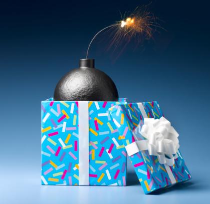 Explosive「Bomb in Gift Box」:スマホ壁紙(11)