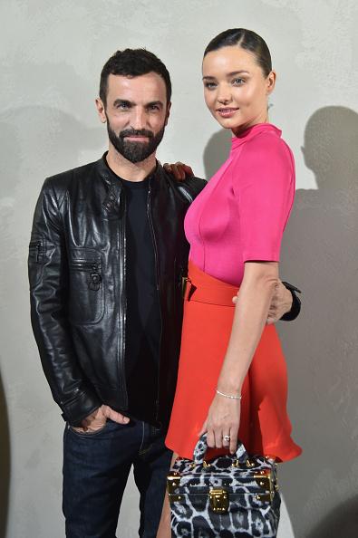 ミランダ・カー「Louis Vuitton : Front Row  - Paris Fashion Week Womenswear Spring/Summer 2017」:写真・画像(18)[壁紙.com]