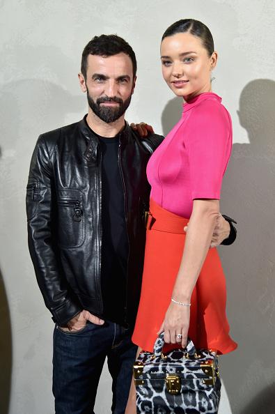 ミランダ・カー「Louis Vuitton : Front Row  - Paris Fashion Week Womenswear Spring/Summer 2017」:写真・画像(15)[壁紙.com]