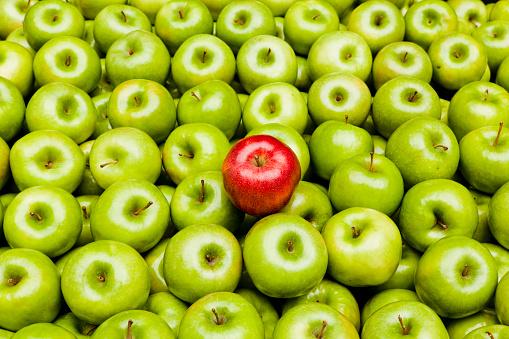 リンゴ「個性」:スマホ壁紙(18)