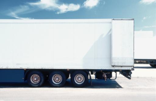 Mode of Transport「White Truck」:スマホ壁紙(1)