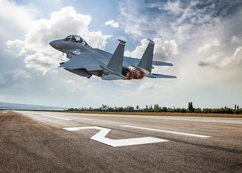 Military「Fighter Jet taking off」:スマホ壁紙(9)