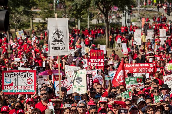 Teacher「Los Angeles Teachers Reach Tentative Strike Settlement」:写真・画像(17)[壁紙.com]