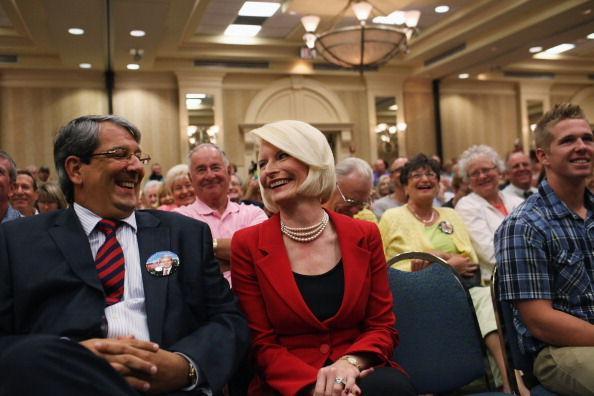 Naples - Florida「GOP Presidential Hopeful Newt Gingrich Holds Town Hall In Southern Florida」:写真・画像(19)[壁紙.com]