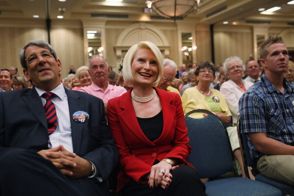 Naples - Florida「GOP Presidential Hopeful Newt Gingrich Holds Town Hall In Southern Florida」:写真・画像(18)[壁紙.com]