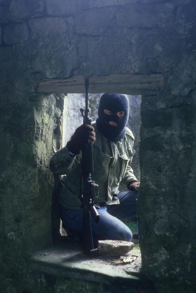County Donegal「Masked IRA Trainee」:写真・画像(5)[壁紙.com]