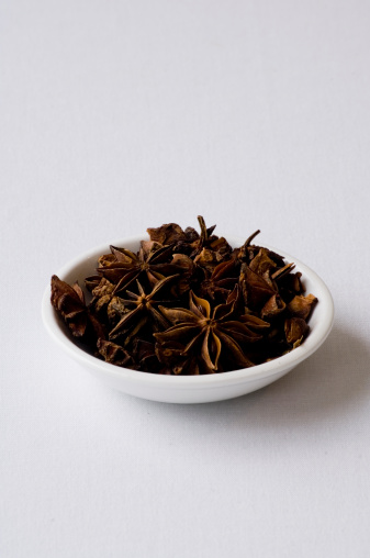 Star Anise「Bowl of star anise whole spice」:スマホ壁紙(5)