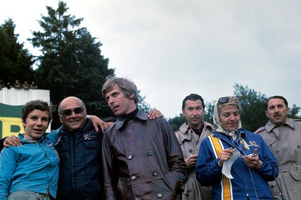 Paul-Henri Cahier「Johnny Servoz-Gavin, Jo Schlesser, Annie Schlesser, Jose Rosinski, Tommy Franklin, Paul-Henri Cahier, Grand Prix Of Belgium」:写真・画像(6)[壁紙.com]