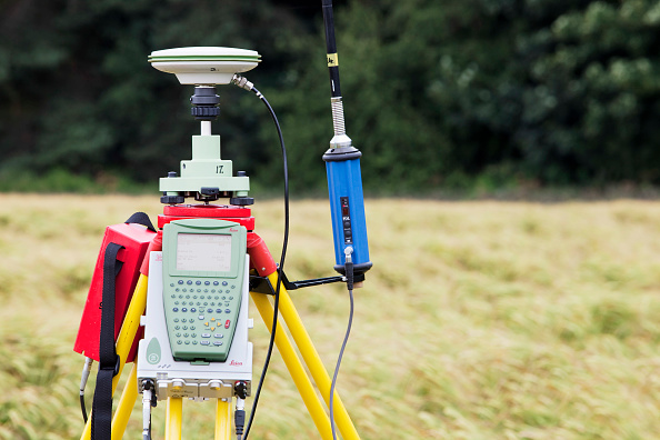 Torrential Rain「A differential GPS being used in real time kinematic survey, to survey the extent of the Durham canyon flooding feature, UK.」:写真・画像(13)[壁紙.com]