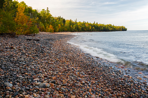 Great Lakes「Au Sable Point and Lake Superior, Pictured Rocks National Lakeshore, Michigan, USA」:スマホ壁紙(10)