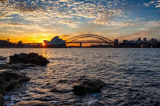 Back Lit「Icons Of Sydney Harbour At Sunset」:スマホ壁紙(6)