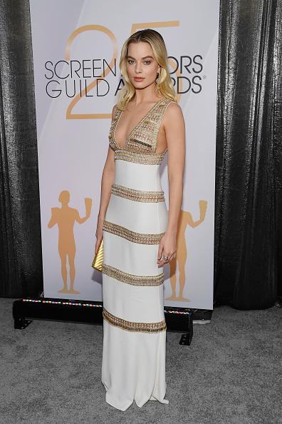 カメラ目線「25th Annual Screen ActorsGuild Awards - Red Carpet」:写真・画像(15)[壁紙.com]