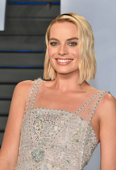 カメラ目線「2018 Vanity Fair Oscar Party Hosted By Radhika Jones - Arrivals」:写真・画像(14)[壁紙.com]