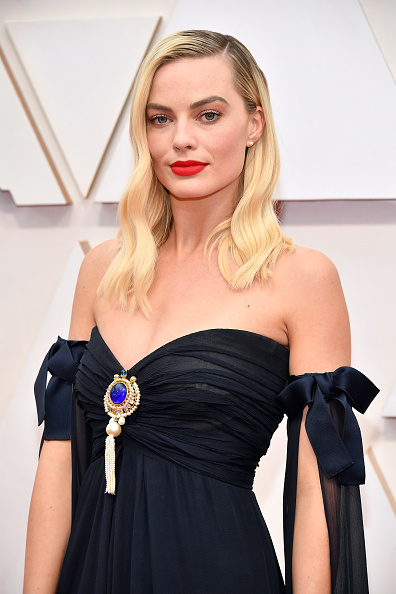Jewelry「92nd Annual Academy Awards - Arrivals」:写真・画像(16)[壁紙.com]