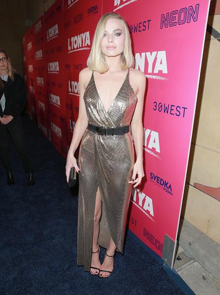 1人「Premiere Of Neon And 30 West's I, Tonya' - Red Carpet」:写真・画像(14)[壁紙.com]