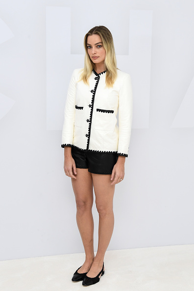 Black Color「Chanel: Photocall - Paris Fashion Week - Womenswear Spring Summer 2021」:写真・画像(2)[壁紙.com]