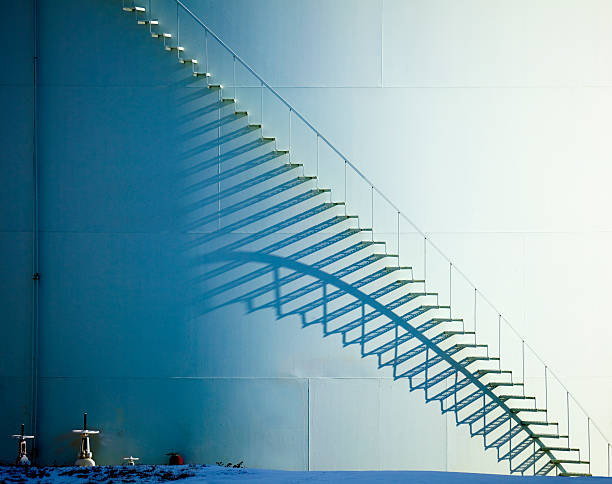 White Staircase and Shadow on Oil Storage Tank:スマホ壁紙(壁紙.com)