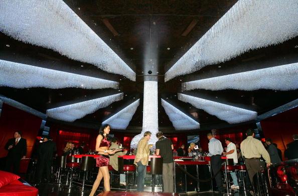 結晶「Red Rock Casino Opens In Las Vegas」:写真・画像(9)[壁紙.com]