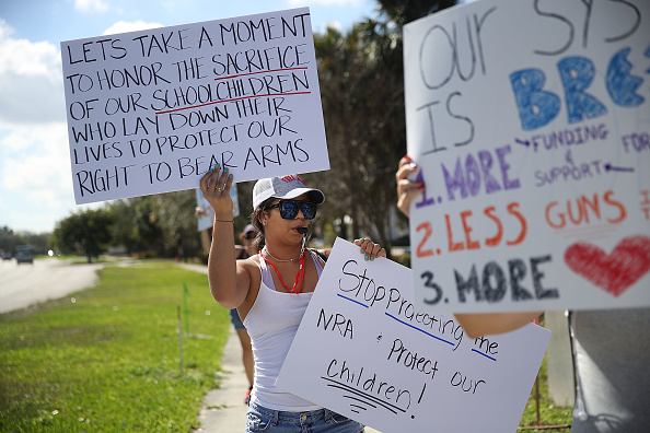 School Shooting「Protestors Rally For Gun Control At Broward Courthouse After FL School Shooting」:写真・画像(17)[壁紙.com]